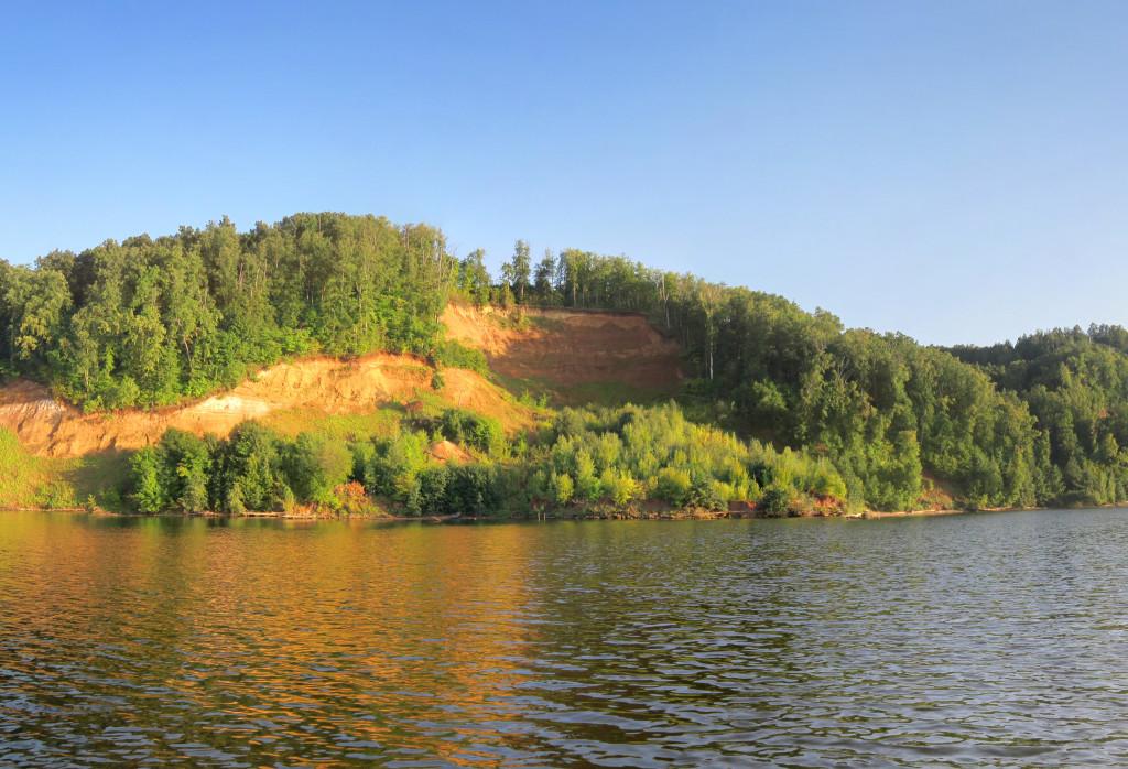 Река Волга днём