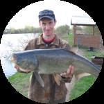 Рыбак с толстолобиком